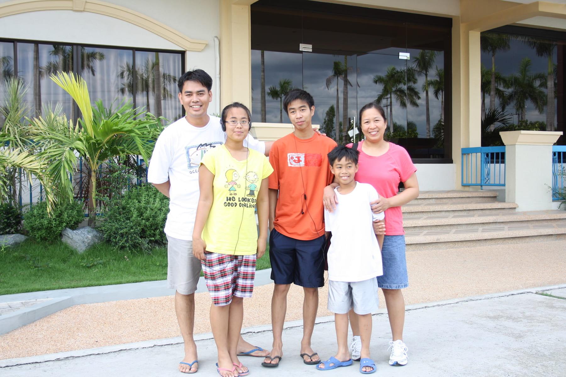Emmanuel Domingo and family