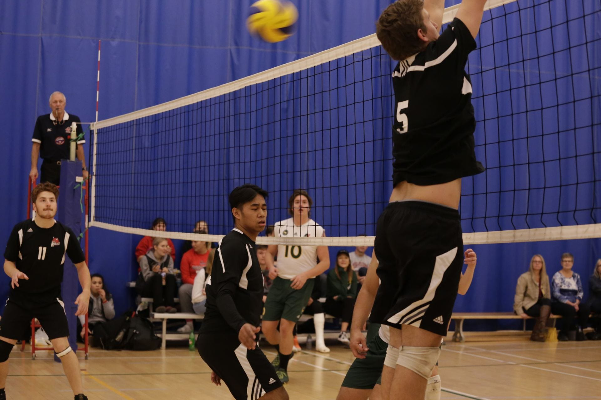Men S Volleyball Schedule And Results Red River College Rebels United
